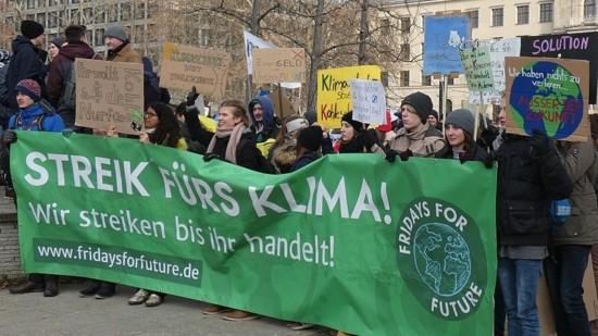 Fridays for Futures demonstrieren für mehr Klimaschutz